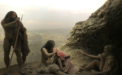 Recreaciópn de un campamento neandertal. American Museum of Natural History. Foto de Mireia Querol